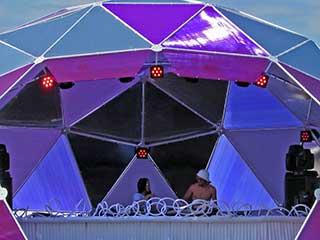 Tot-spot фиолетовая сцена хаус-музыки